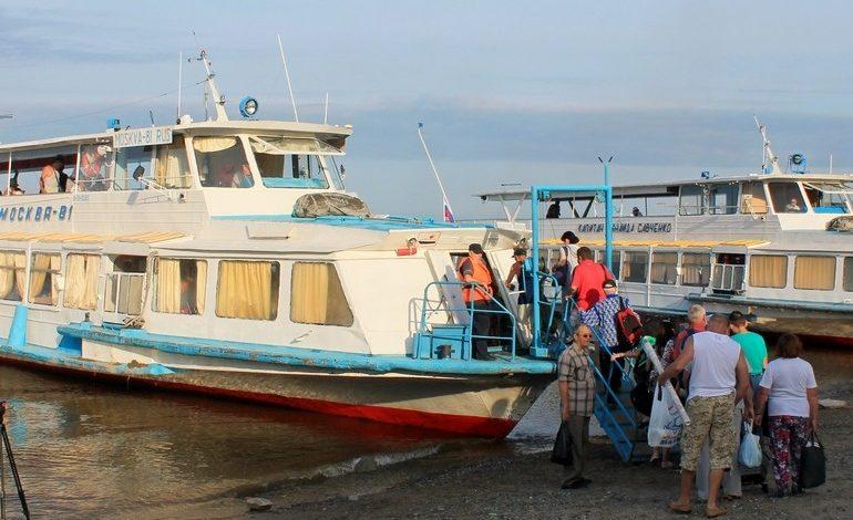 Дачу не бросят: пассажиропоток на остров Большой Уссурийский сокращается