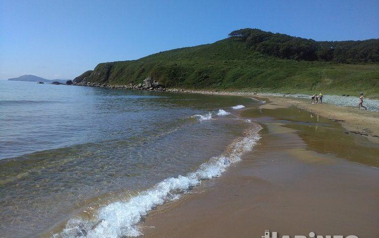 Где в Приморье запретили купаться: список пляжей