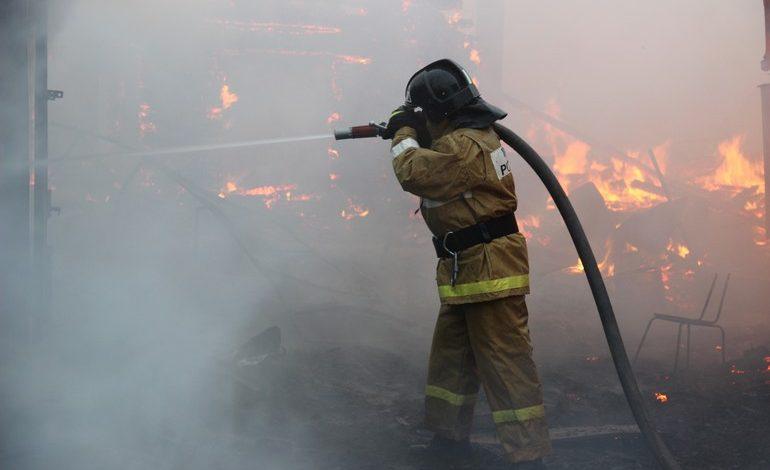Горим! Пять домов и два автосервиса сгорели в Хабаровске