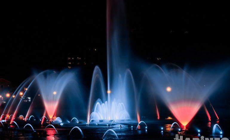 Романтика бесплатно: на хабаровских прудах открылся сезон музыкальных фонтанов