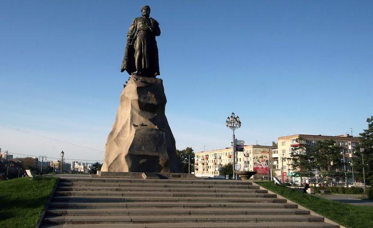 Абрам и Ерофей: скульптор и памятник краевого значения