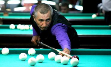 В хабаровском турнире по бильярду среди пенсионеров победил тренер