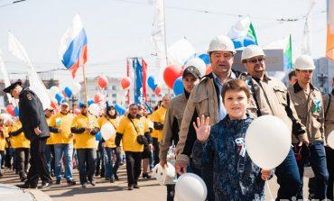 «Зарплату гражданским в армии на новый уровень!» - лозунг первомайского шествия в Хабаровске