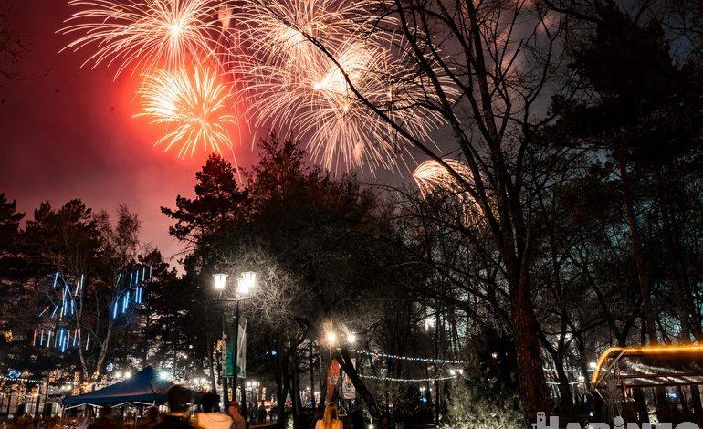 Победные залпы: салют в честь празднования 9 мая прогремел над Хабаровском