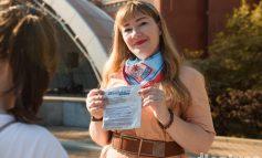"""СПИД-мифы в Хабаровске: """"Мой парень болеть не может - у него же """"Мерседес""""!"""
