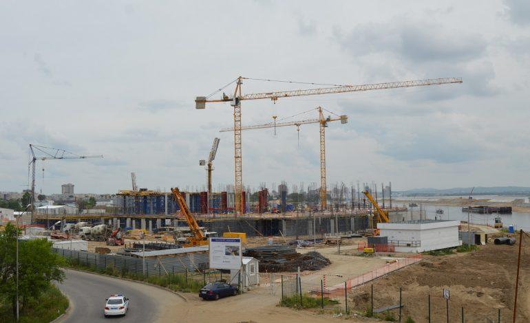 Большие стройки: как строится хабаровский аквапарк и отель Hilton
