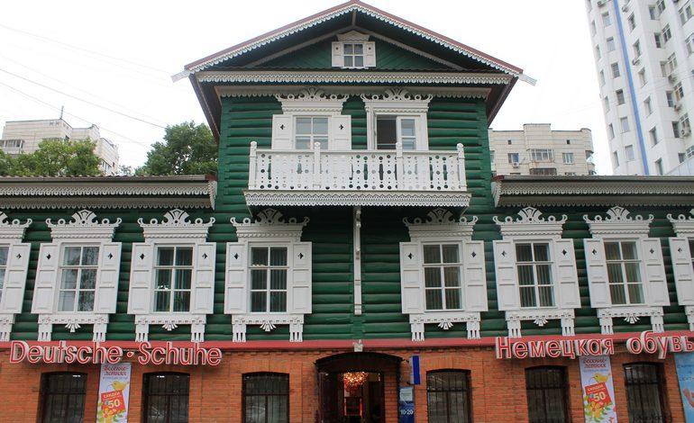 Зачем Валерик Хидиров реставрирует старинные особняки за свой счёт