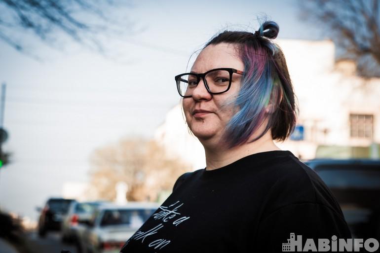 феминистки хабаровска самолетаСухой Суперджет 100