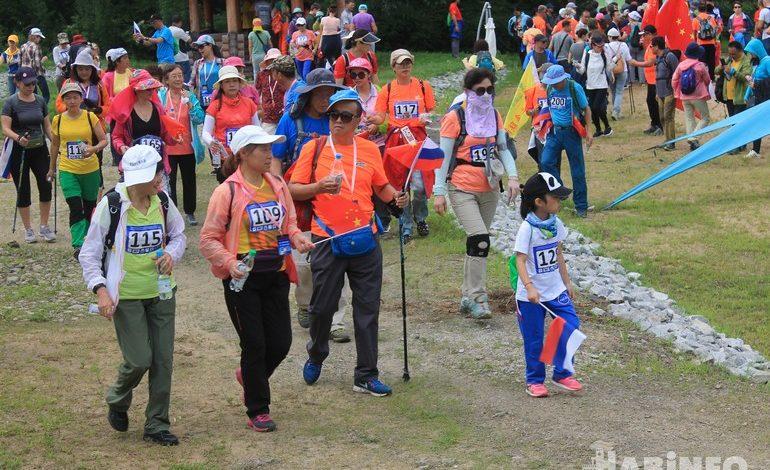 Победит тот, кто придет последним: китайская логика на фестивале скандинавской ходьбы
