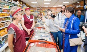 «Ваш паспорт, пожалуйста»: в Хабаровске участились контрольные закупки алкоголя и сигарет