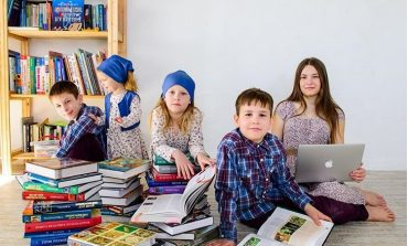 Домашнее обучение пятерых детей: опытом поделилась хабаровчанка Юлия Сивкова