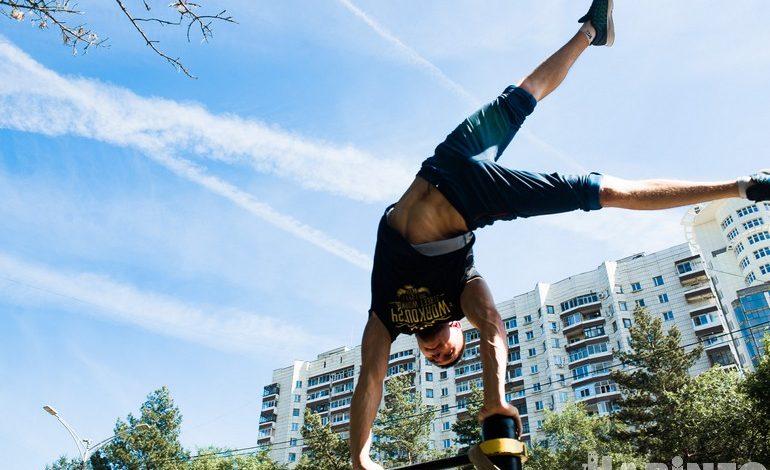 Хабаровские спортсмены подарили городу современную воркаут-площадку
