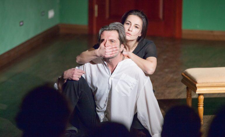 Новые необычные спектакли в Театре драмы: незатейливые истории с серьёзными мыслями