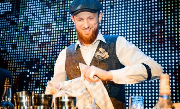 Путь бармена: как попадают на работу в «злачные» места и почему остаются