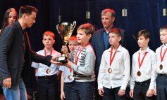 Центр развития хоккея «Амур» подвёл итоги сезона и наградил отличившихся