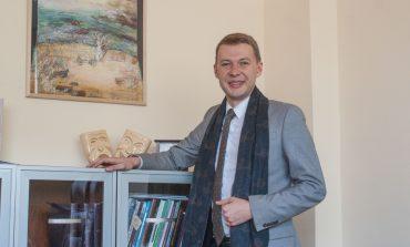 «Планирую работать здесь до самого 100-летия» - новый директор краевого музыкального театра Константин Зайнулин