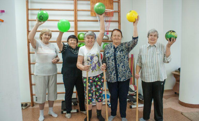 Что могут старики: в Хабаровском доме ветеранов занимаются активным долголетием