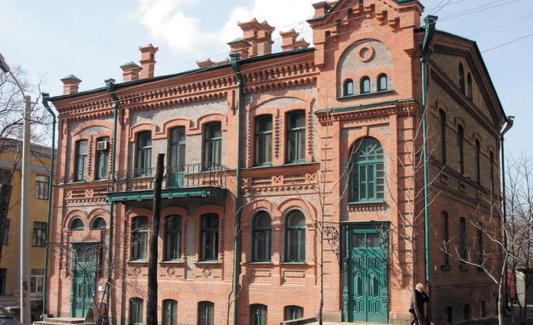 «Мэрский бизнес»: доходный дом хабаровского головы