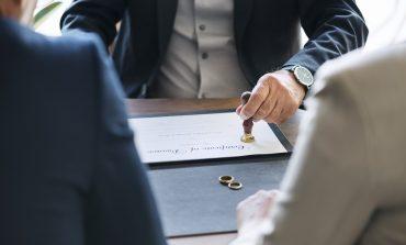Тяжёлый развод: стоит ли идти на мировую с бывшим?
