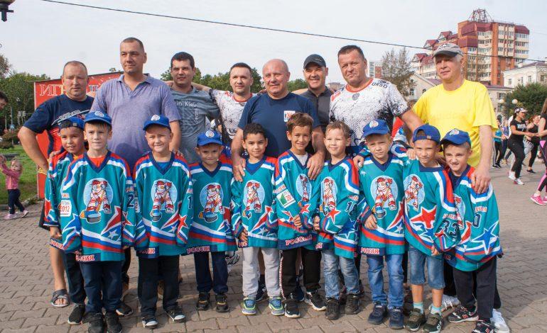 Зарядка с мэром: в краевом центре проходит акция «Хабаровск за Спорт»