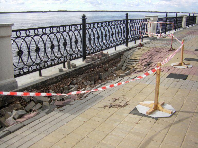 Водой смыло миллионы: на хабаровской набережной будет подсчитан ущерб от наводнения