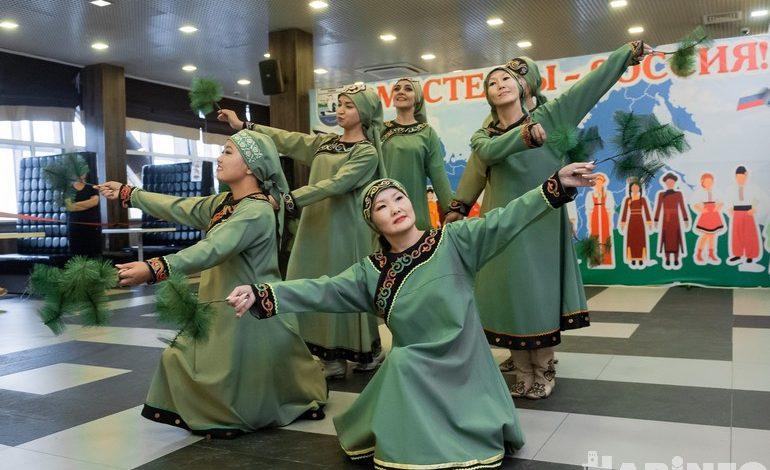 Традиции и современность смешались на фестивале «Вместе мы – Россия»