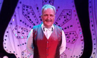 Четверть века на сцене: о чём мечтает заслуженный артист Музыкального театра Денис Желтоухов