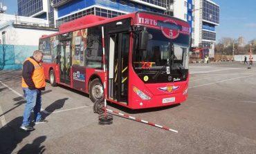 Снова провал: водители хабаровских автобусов не сдали экзамены на знание ПДД