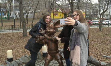 Конкурс «Городская скульптура» в Хабаровске: с кого лепили Чонкина