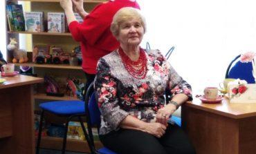 Со слезами на глазах: День матери отметили в детской библиотеке имени Гайдара