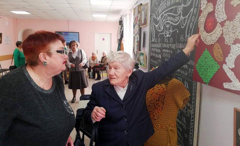 Кому на пенсии не скучно: хабаровские рукодельницы отмечают юбилей своего клуба