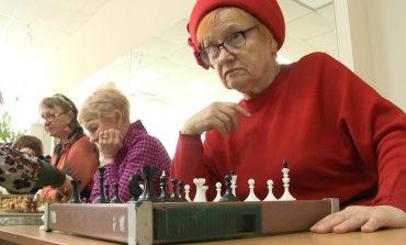 «Серебряные королевы» – единственная в Хабаровске шахматная школа для пожилых