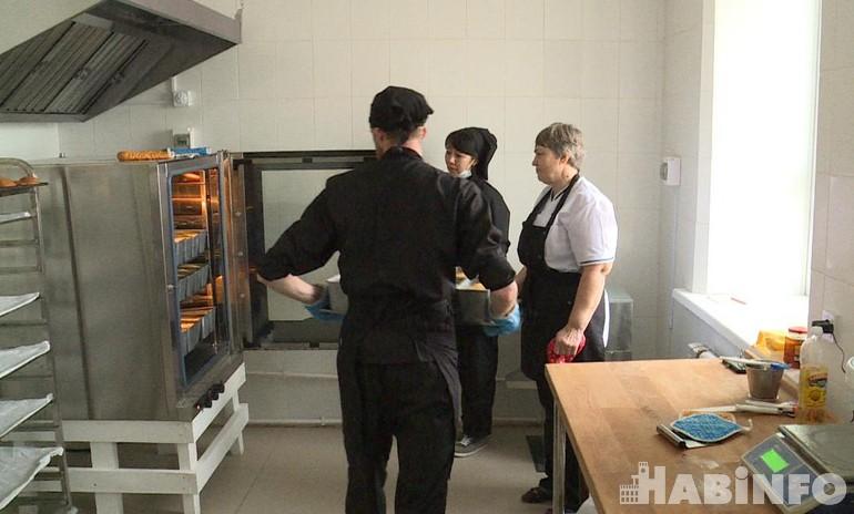 Сорок буханок хлеба: своя пекарня появилась в центре «Милосердие»