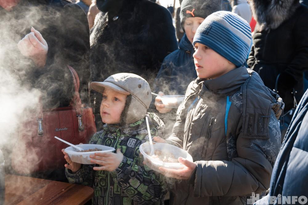 Гречки и зрелищ: как хабаровчане День защитника Отечества отмечали