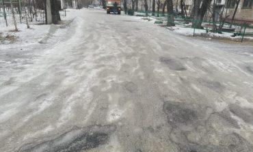 «Неуд» получиликоммунальщики за прошлогодний снег