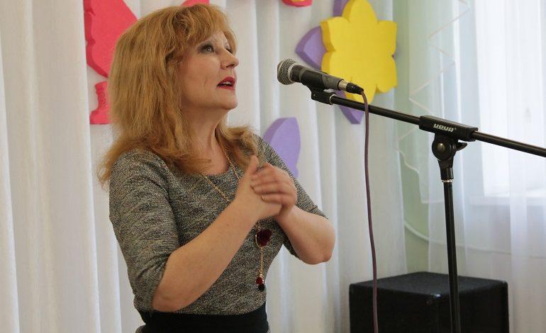 Педагог центра «Родник» Ирина Боженко: «Жить, гореть и не угасать»