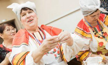 Веселый фастфуд: хабаровские пенсионеры отожгли на «Вареник-party»