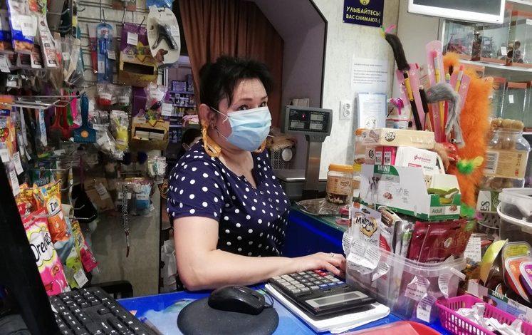 Без маски не пускать: в Хабаровске проверяют магазины и автобусы