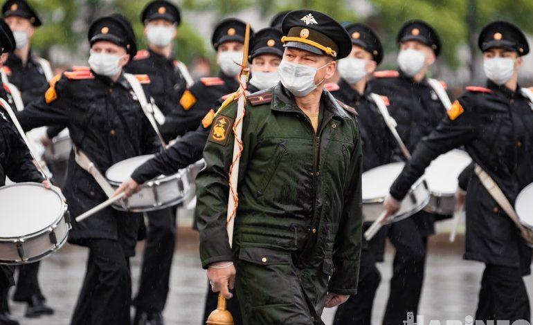 Защитники в масках: репетиция парада прошла в Хабаровске