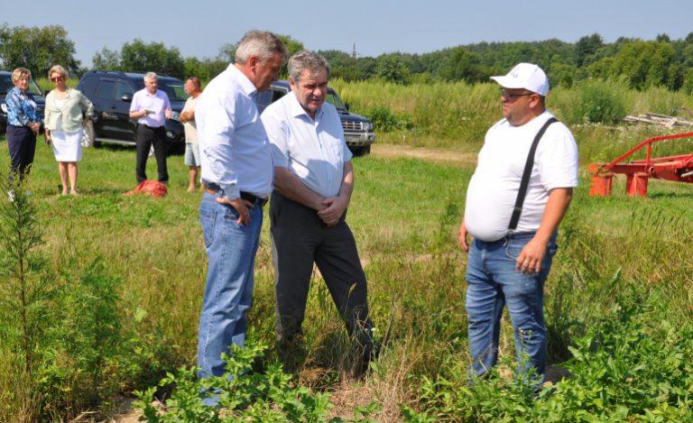 Сорняки, соя, кислая почва: хабаровский визит московского агрочиновника