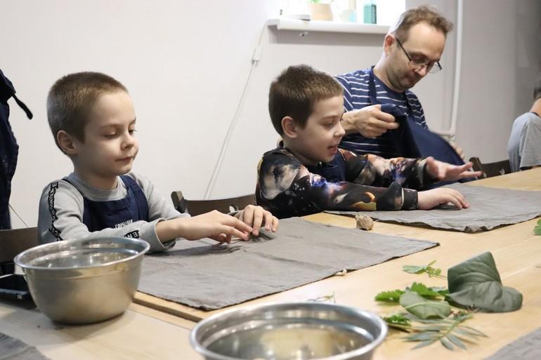 Раскрасить «Ласковую осень» для хабаровских детей