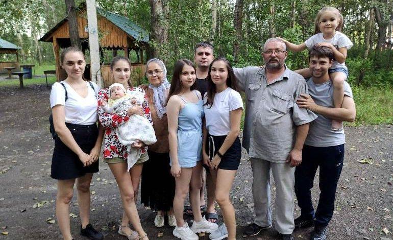 Каждый ребёнок – чудо: мать пятерых детей Татьяна Жуган получит орден в День края