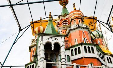 Личный Кремль построил хабаровчанин на своём участке