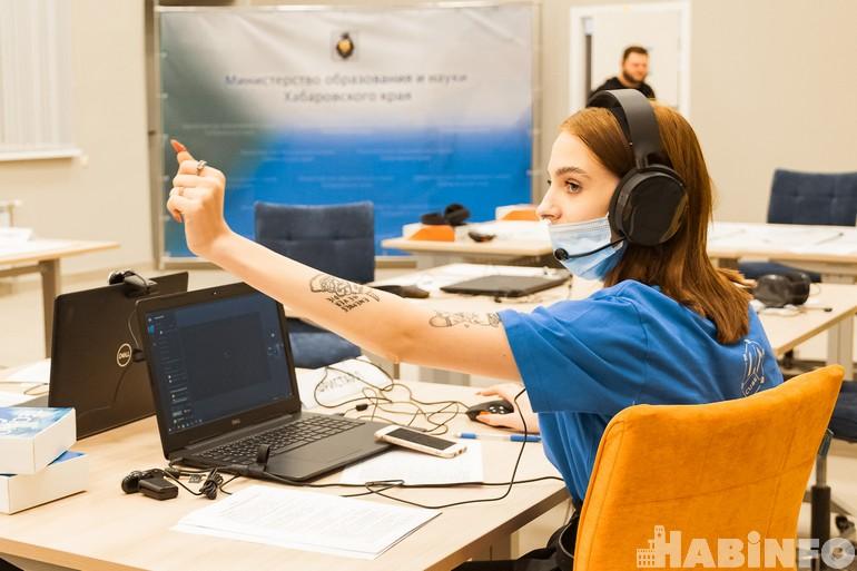 Управляли роботом по «вэбке»: первые дистанционные соревнования «Техностарт» прошли в Хабаровске