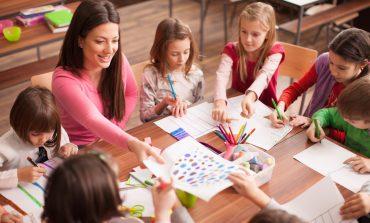 Хабаровчан спрашивают: кто должен воспитывать наших детей?