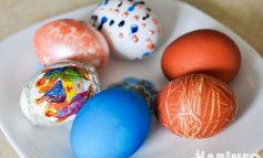Четыре простых способа покрасить яйца на Пасху