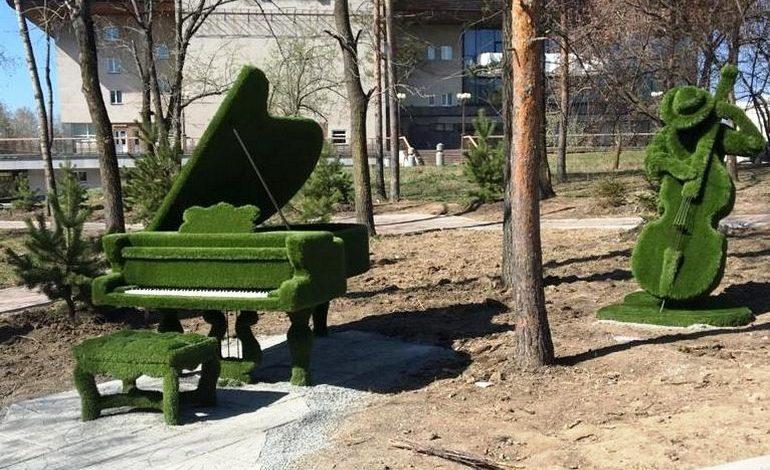 Новые зелёные скульптуры пришлись по вкусу хабаровчанам