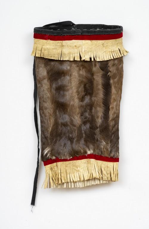 Эвенкийский охотничий костюм в коллекции Дальневосточного художественного музея