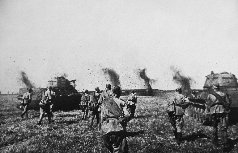 И плавилась броня: дальневосточники в боях на Курской дуге