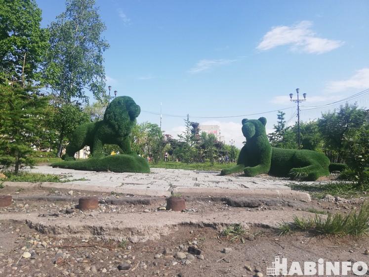 Отремонтировать дворы, улицы, площади и места отдыха просят мэра горожане
